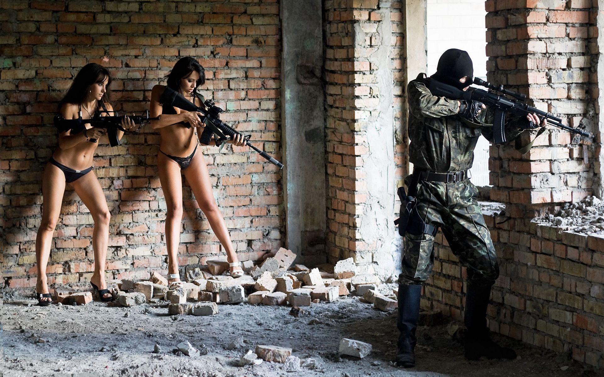 Секс фото женьщин солдат 14 фотография